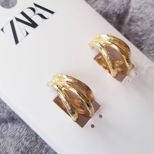 Zara Layered Gold Hoop Earrings